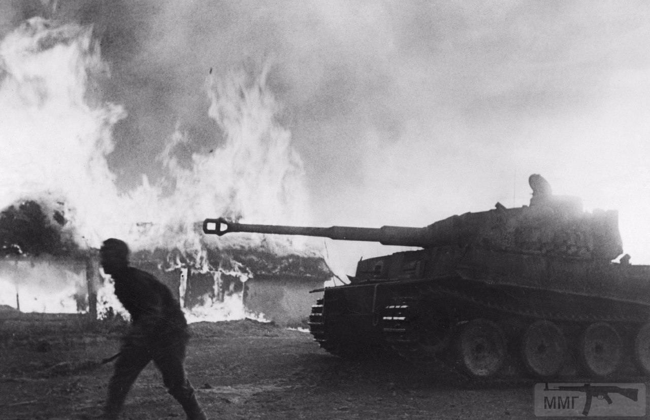 21704 - Военное фото 1941-1945 г.г. Восточный фронт.