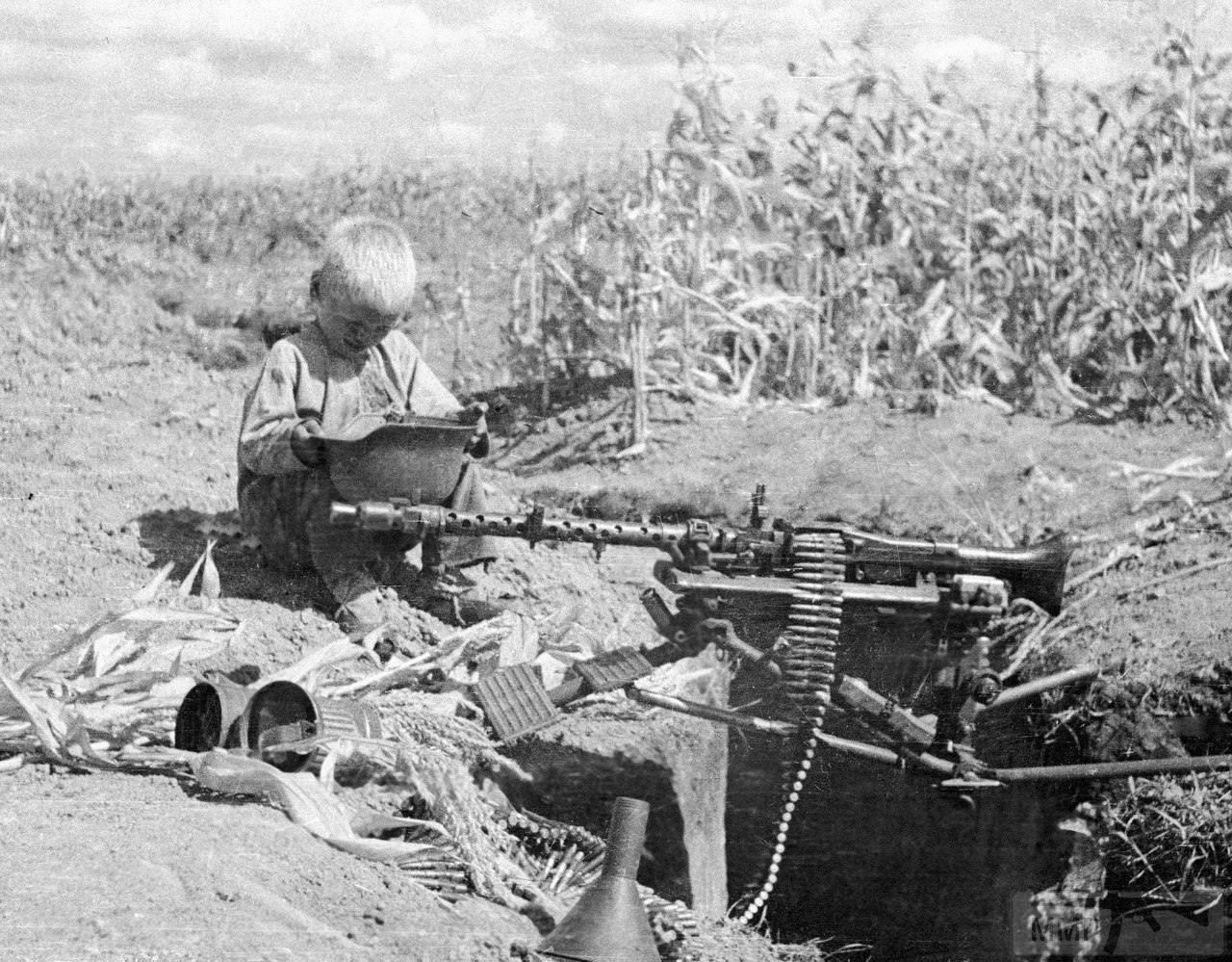 21870 - Военное фото 1941-1945 г.г. Восточный фронт.