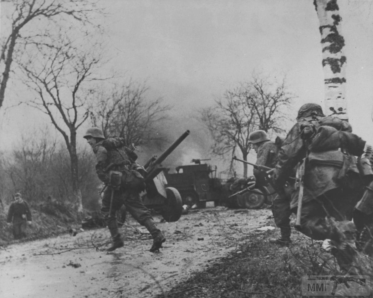 21919 - Военное фото 1939-1945 г.г. Западный фронт и Африка.