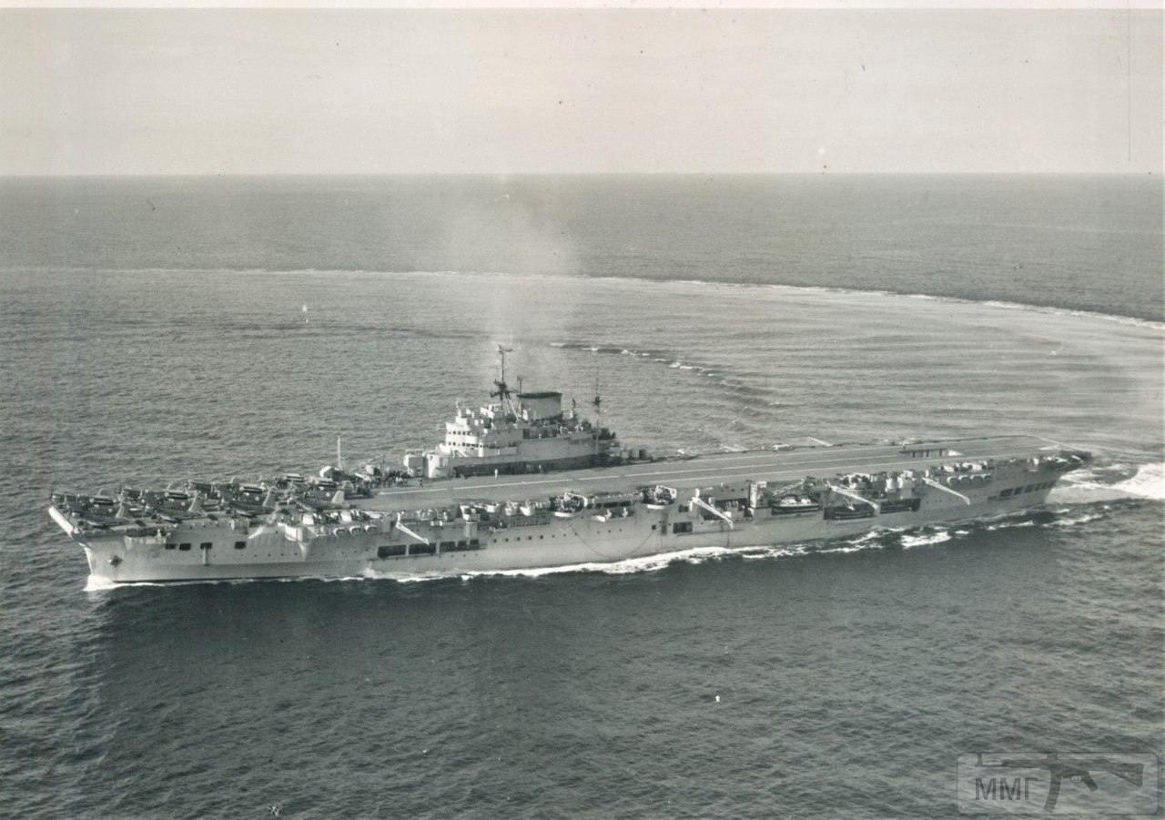 21960 - Два авианосца