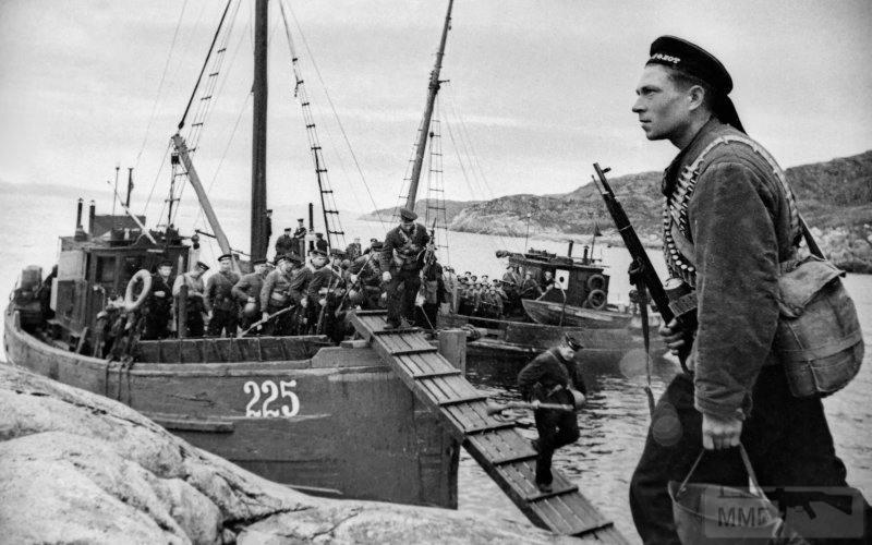 22815 - Военное фото 1941-1945 г.г. Восточный фронт.