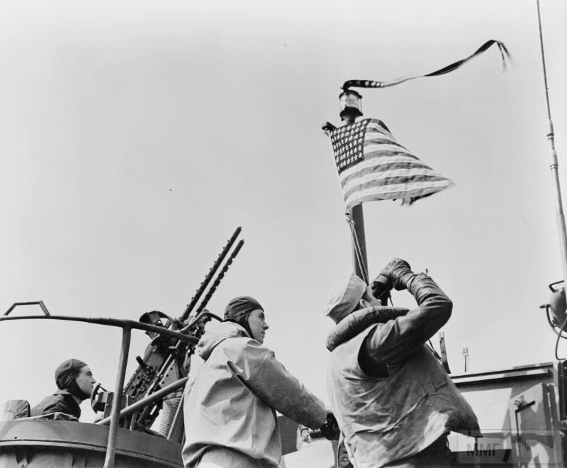 22822 - Военное фото 1941-1945 г.г. Тихий океан.