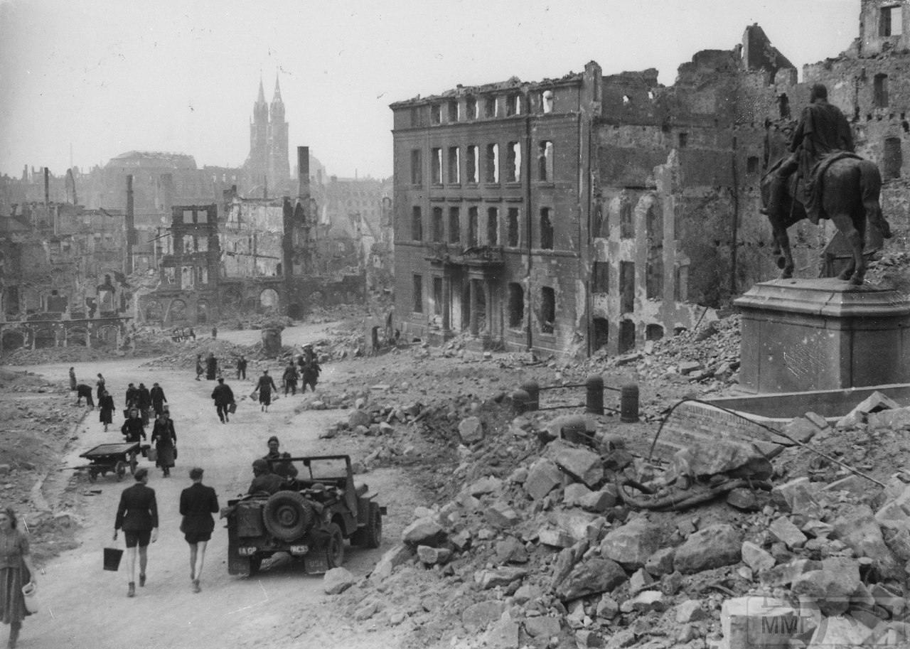 22878 - Военное фото 1939-1945 г.г. Западный фронт и Африка.