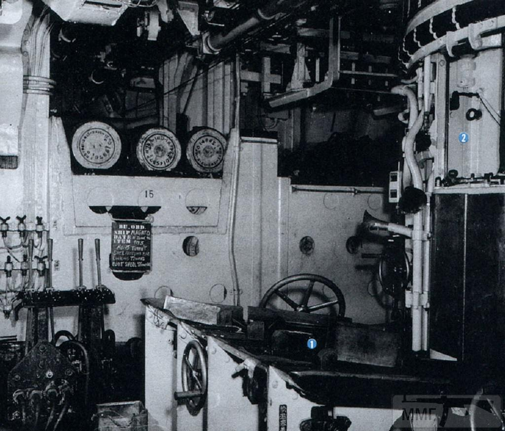 23096 - Перегрузочное отделение башни №3. Нетрудно заметить, что все внутренние помещения корабля выкрашены по возможности в белый цвет