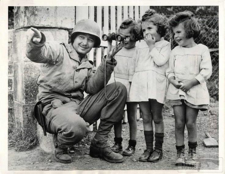 23325 - Военное фото 1939-1945 г.г. Западный фронт и Африка.