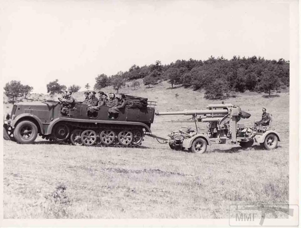 23586 - Грузовые и спец.автомобили Третьего рейха