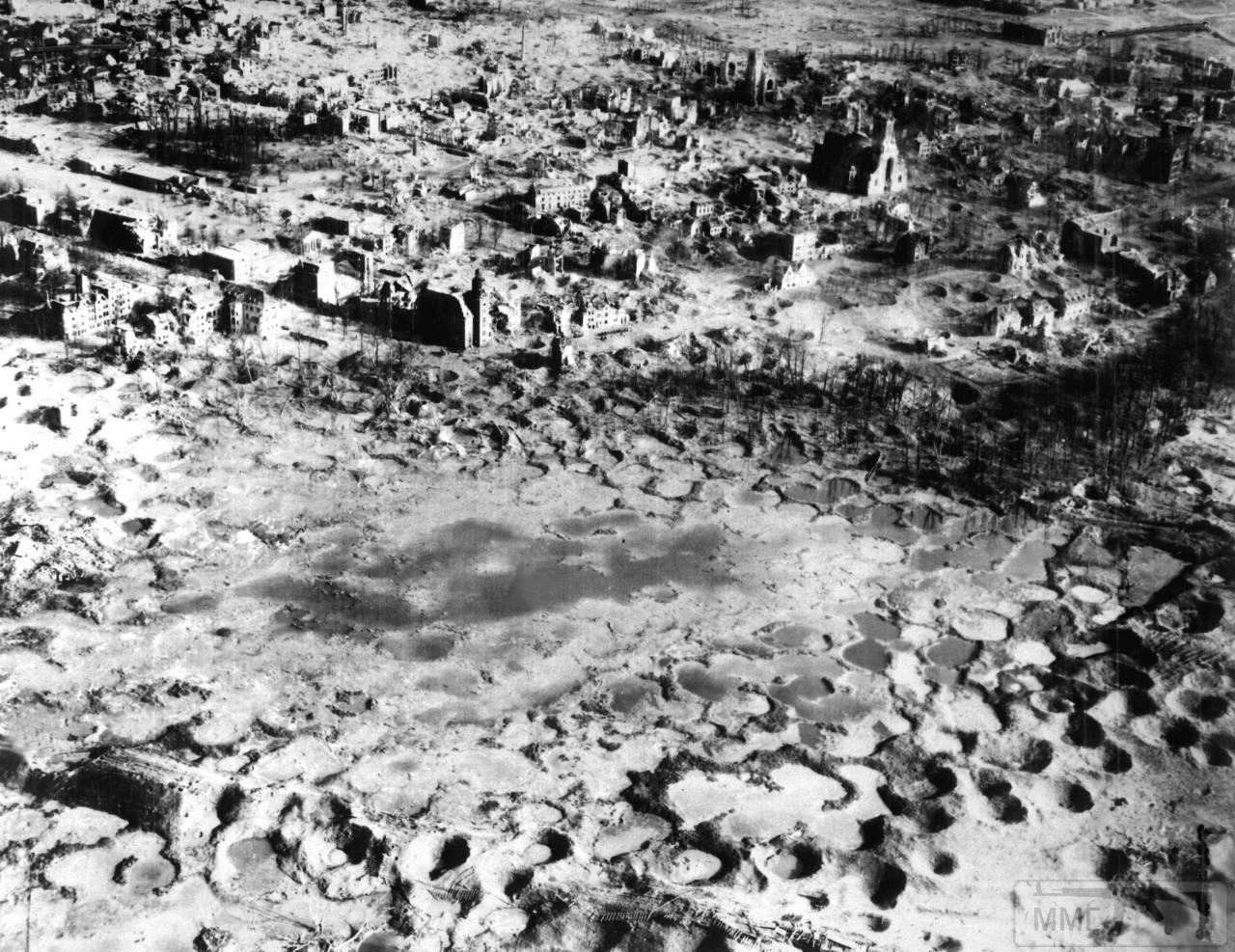 23878 - Стратегические бомбардировки Германии и Японии