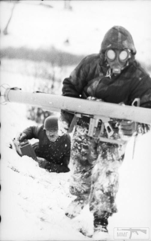 23933 - Реактивный противотанковый гранатомет RPzB.43 Ofenrohr Офенрор / RPzB.54 Panzerschreck Панцершрек