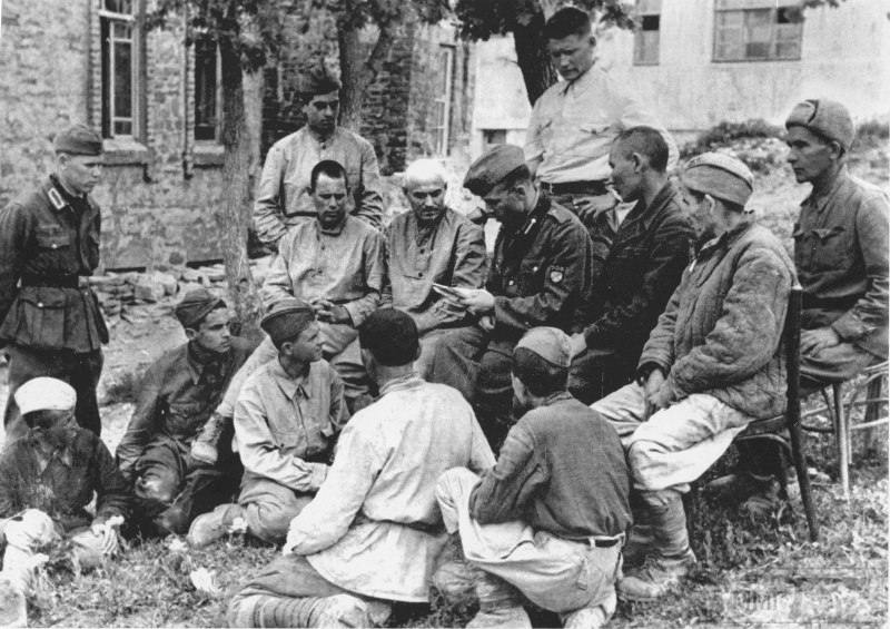 24107 - Военное фото 1941-1945 г.г. Восточный фронт.