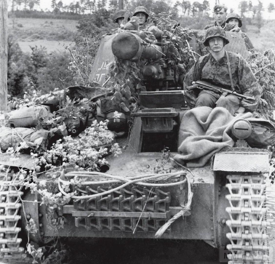 24110 - Военное фото 1939-1945 г.г. Западный фронт и Африка.