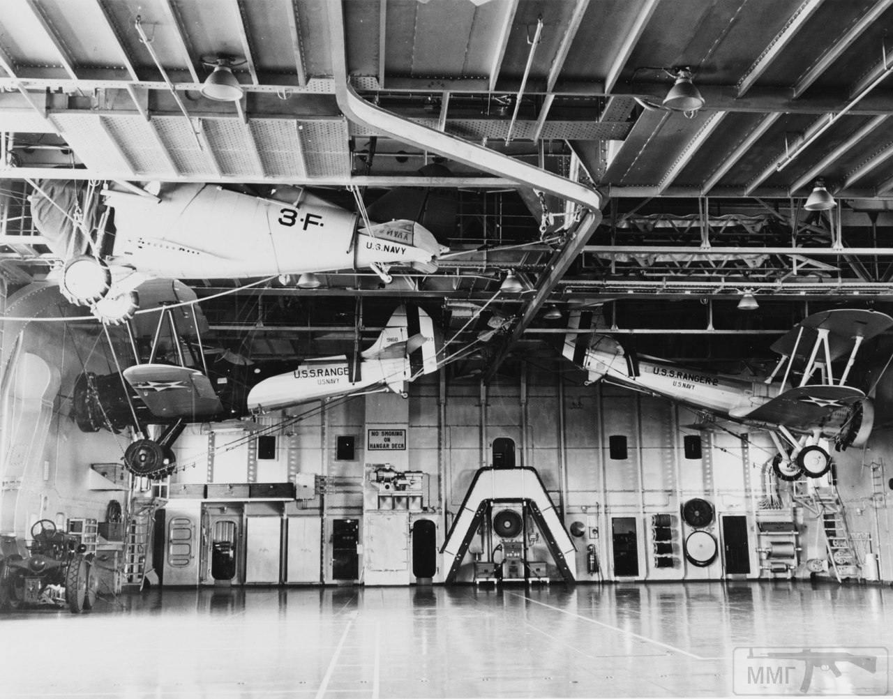 24298 - Два авианосца