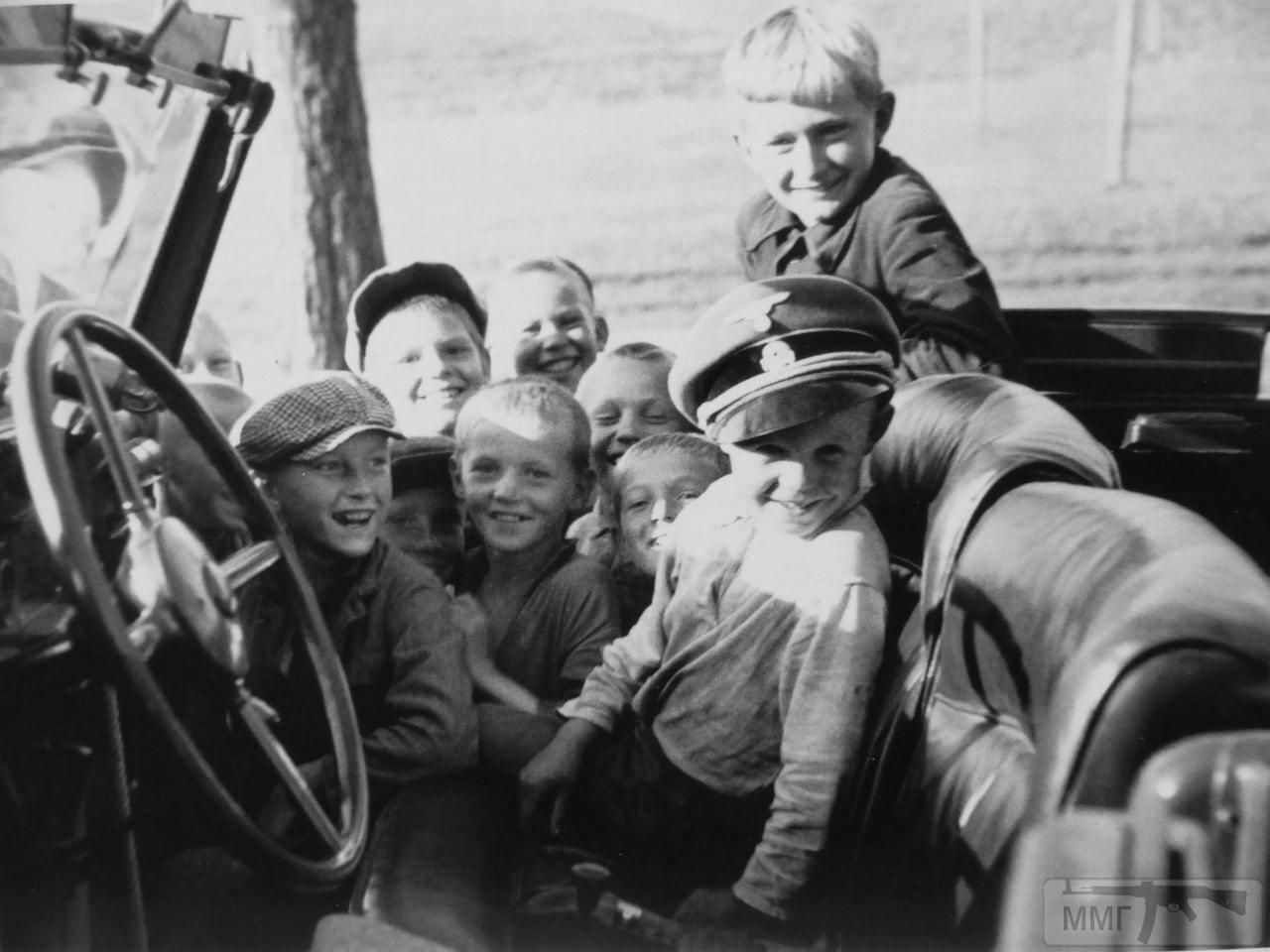 24320 - Военное фото 1941-1945 г.г. Восточный фронт.