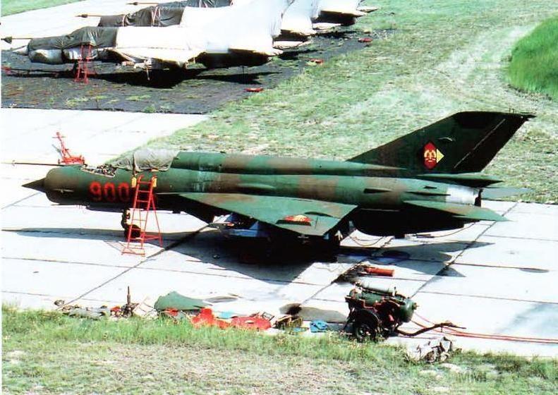 24814 - Последние МиГ-21