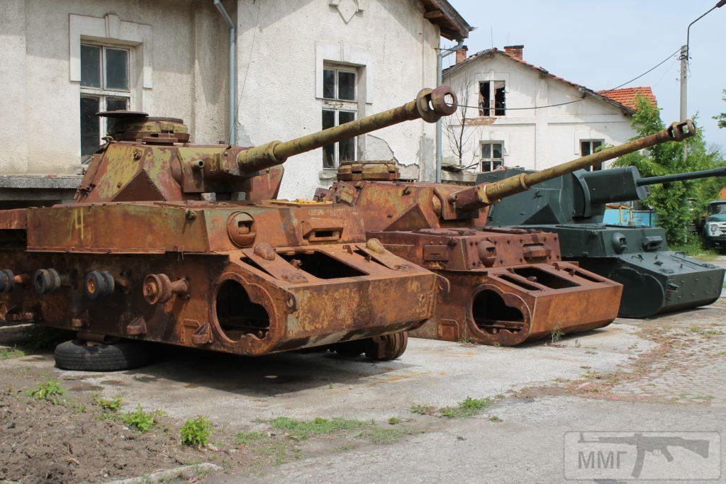 """24865 - Служба немецких """"коробочек"""" после войны..."""