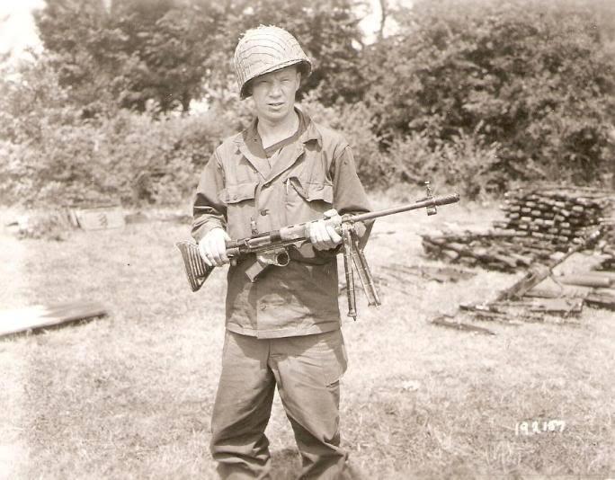 2570 - Fallschirmjägergewehr 42