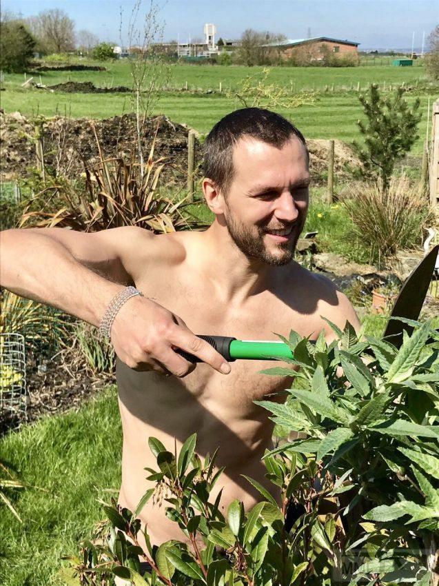 26218 - Секреты садоводам и огородникам.