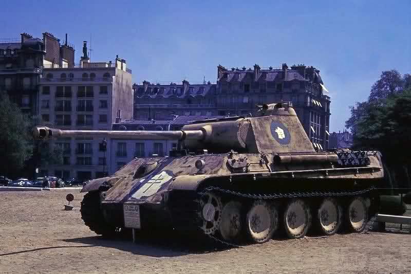 """2624 - Служба немецких """"коробочек"""" после войны..."""
