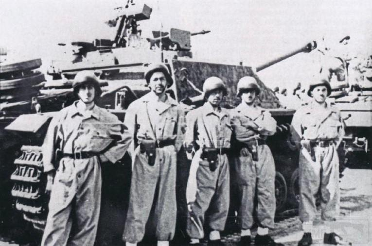 """2632 - Служба немецких """"коробочек"""" после войны..."""
