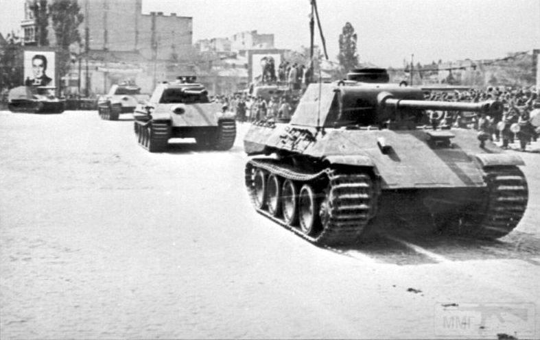 """2649 - Служба немецких """"коробочек"""" после войны..."""