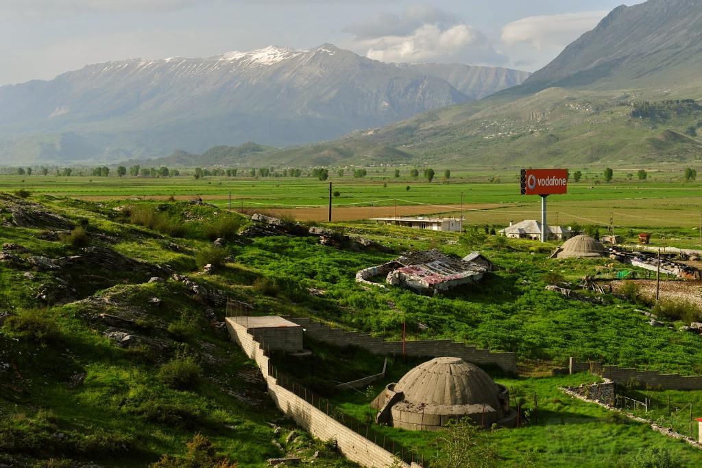 2663 - Албания и ее бункеры
