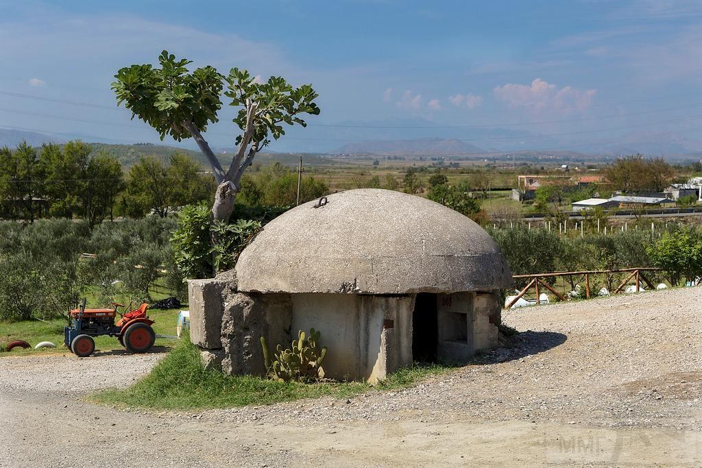 2670 - Албания и ее бункеры