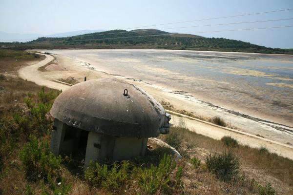 2674 - Албания и ее бункеры
