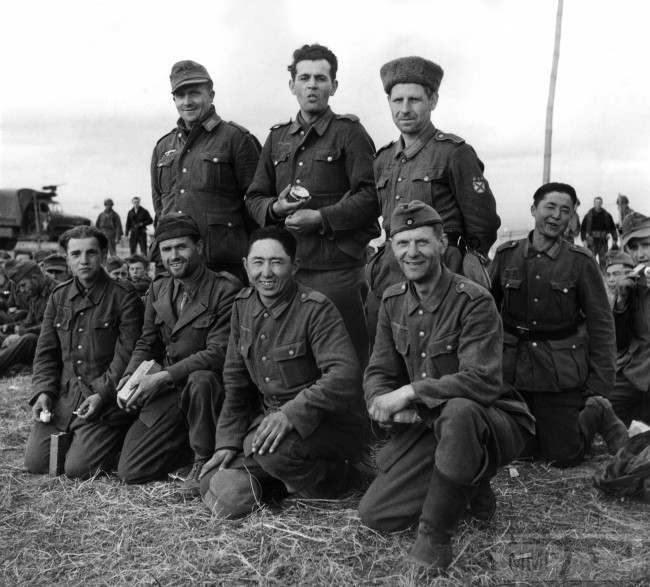 27002 - Военное фото 1939-1945 г.г. Западный фронт и Африка.