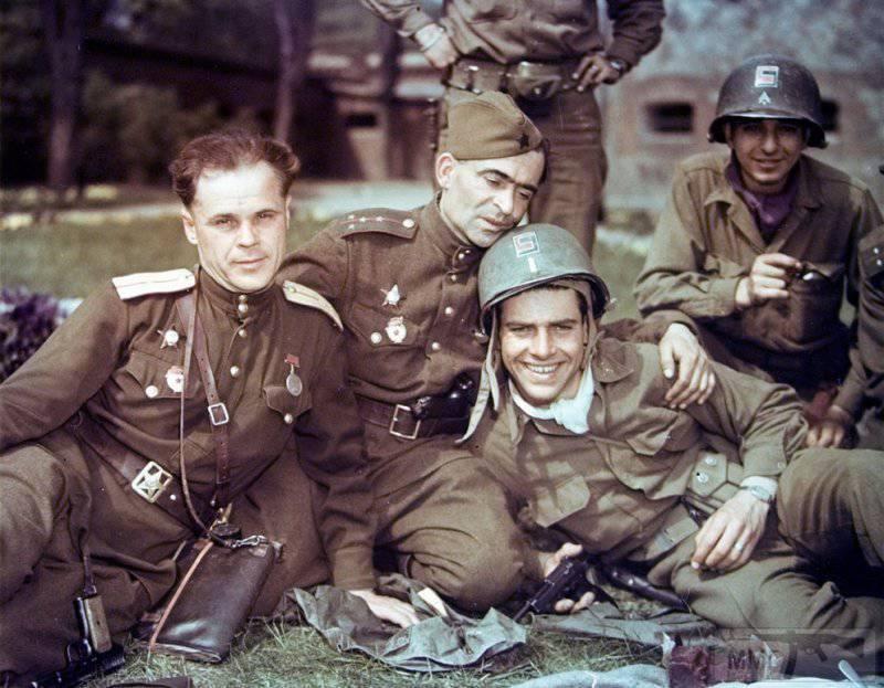 27007 - Русский герой обороны Берлина