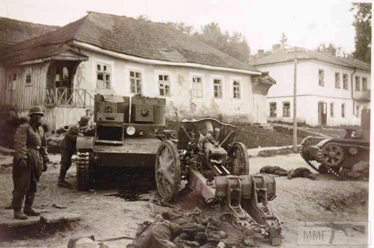 27700 - Военное фото 1941-1945 г.г. Восточный фронт.