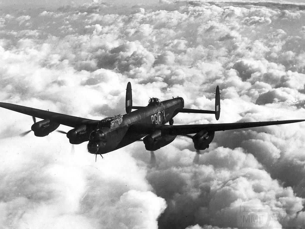 2782 - Стратегические бомбардировки Германии и Японии