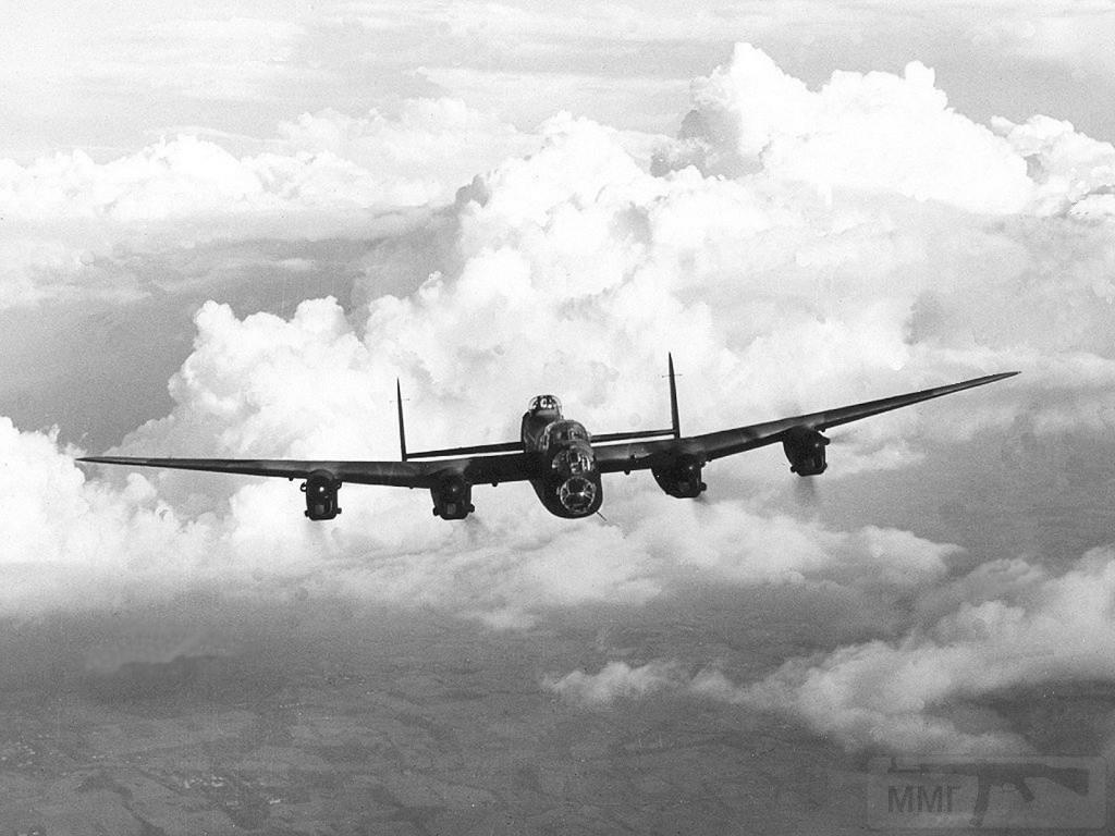 2784 - Стратегические бомбардировки Германии и Японии