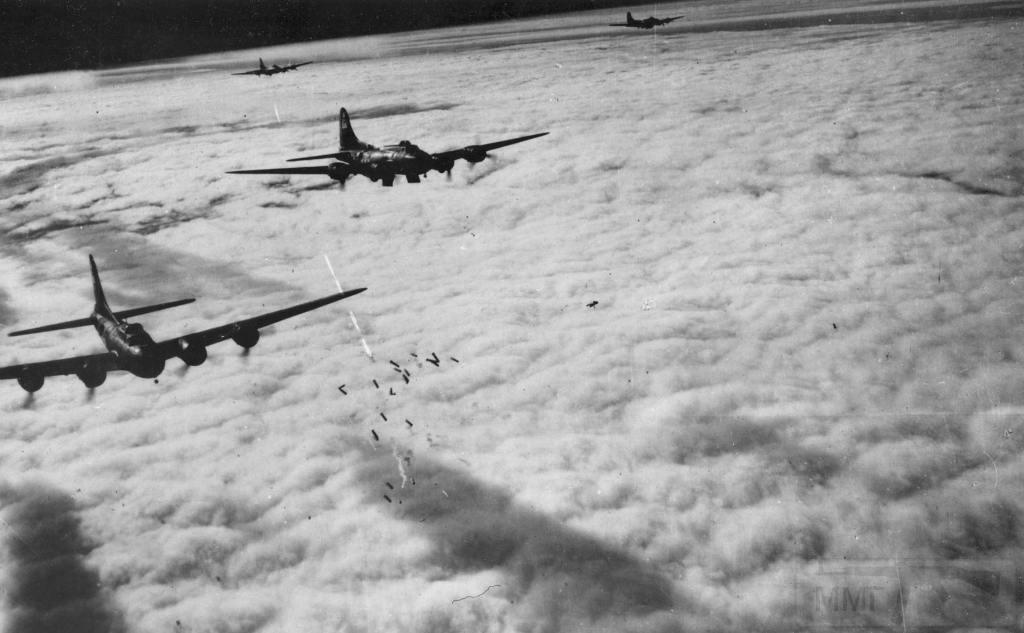 2791 - Стратегические бомбардировки Германии и Японии