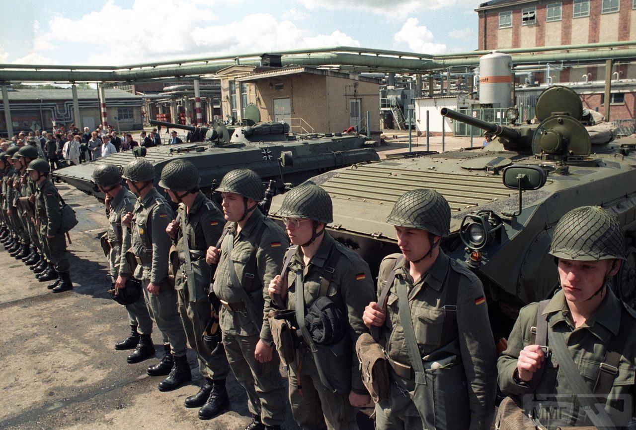 27929 - Короткий ролик - тема о ГДР