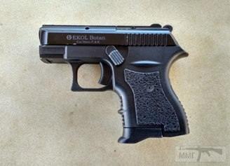 29593 - Продам сигнально-шумовой пистолет Ekol Botan.