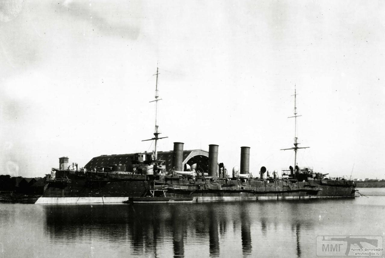 """30577 - Крейсер 1-го ранга """"Кагул"""" у достроечной стенки"""