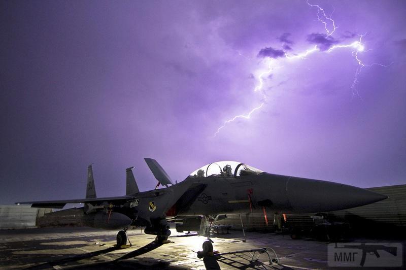 33034 - F-15E «Страйк Игл» в Афганистане, 6 октября 2011 года. (Tech. Sgt. Matt Hecht)