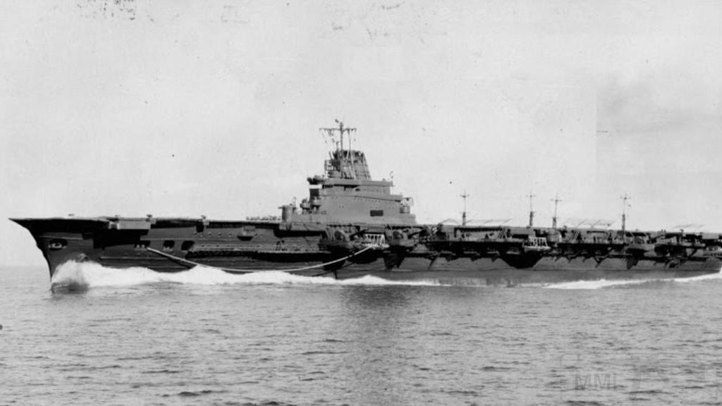 3305 - Два авианосца