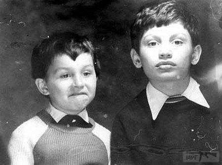 33458 - Старые фото известых персонажей )))
