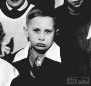 33459 - Старые фото известых персонажей )))
