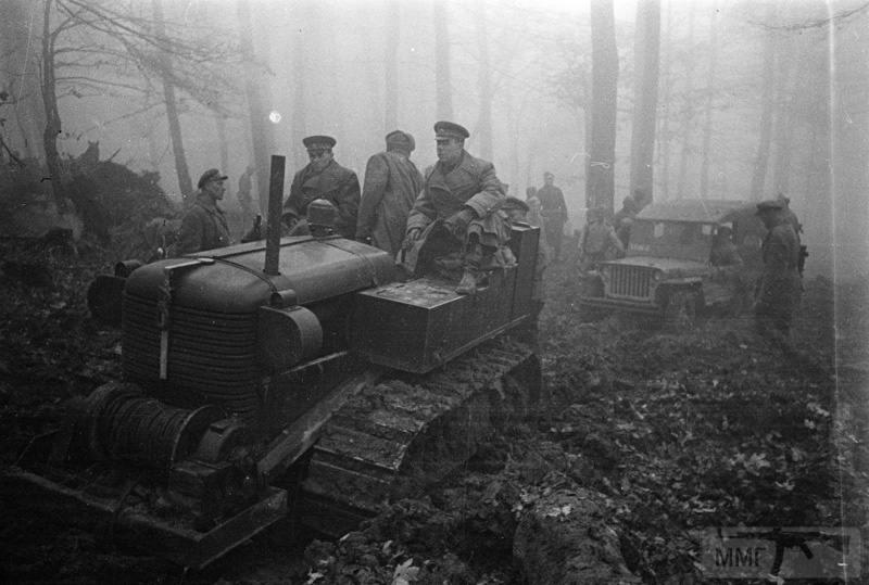 33743 - Военное фото 1941-1945 г.г. Восточный фронт.