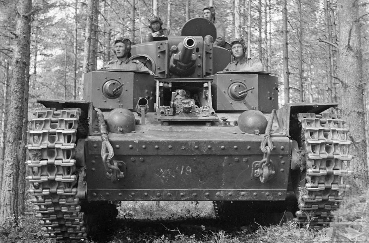 33847 - Трофейный Т-28 у финнов