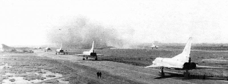 3419 - Ту-22МЗ из 185-го Гв.ТБАП уходят с аэродрома Мары-2 на боевое задание