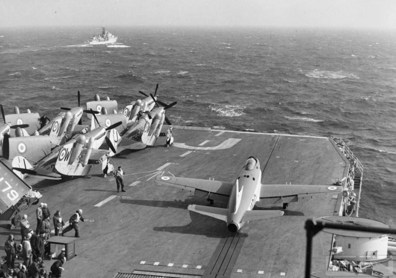 35319 - HMS Eagle (R05)