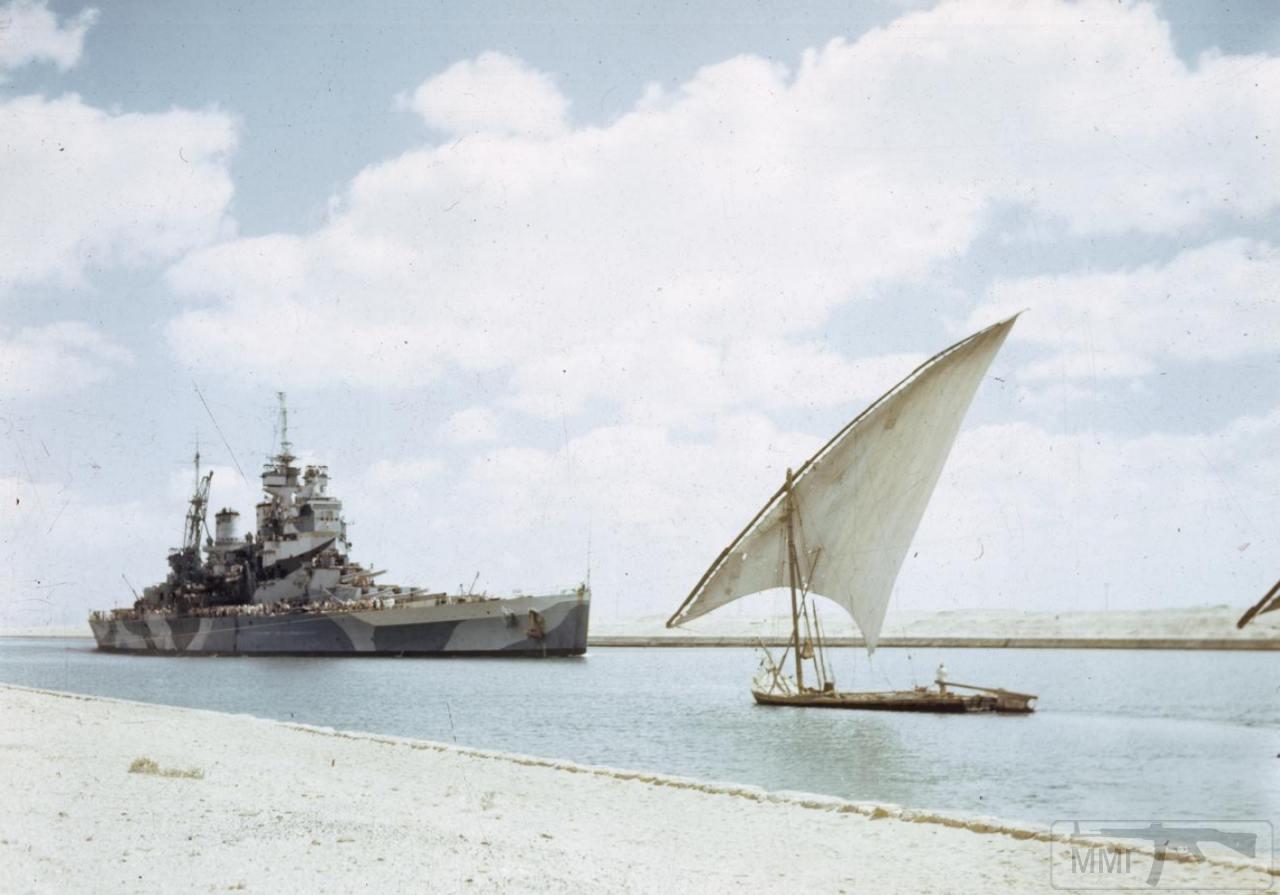 35374 - HMS Howe проходит Суэцкий канал, 14 июля 1944 г.