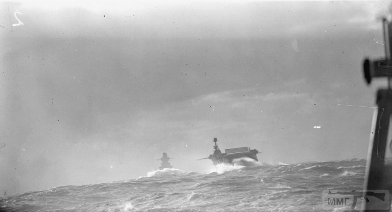 35383 - Линкор Richelieu и авианосец HMS Furious, февраль 1944 г. Снимок с борта линкора HMS Anson