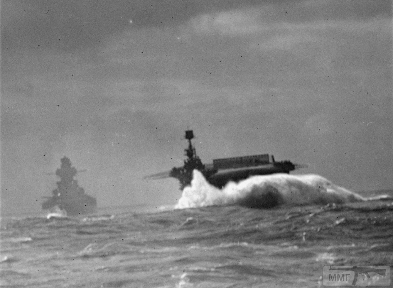 35384 - Линкор Richelieu и авианосец HMS Furious, февраль 1944 г. Снимок с борта линкора HMS Anson