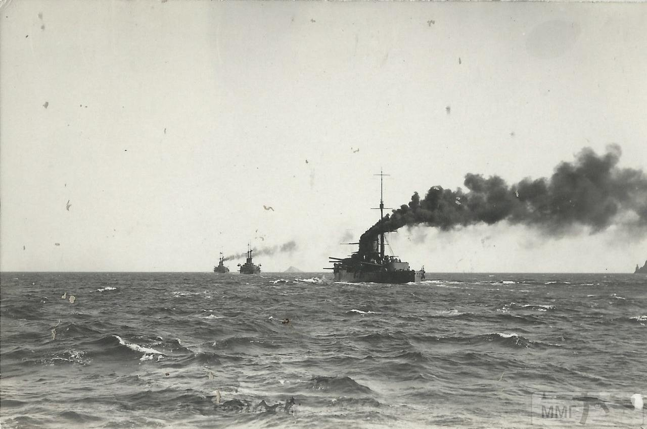 36008 - Итальянские броненосцы в море. Ближайший типа Regina Elena.