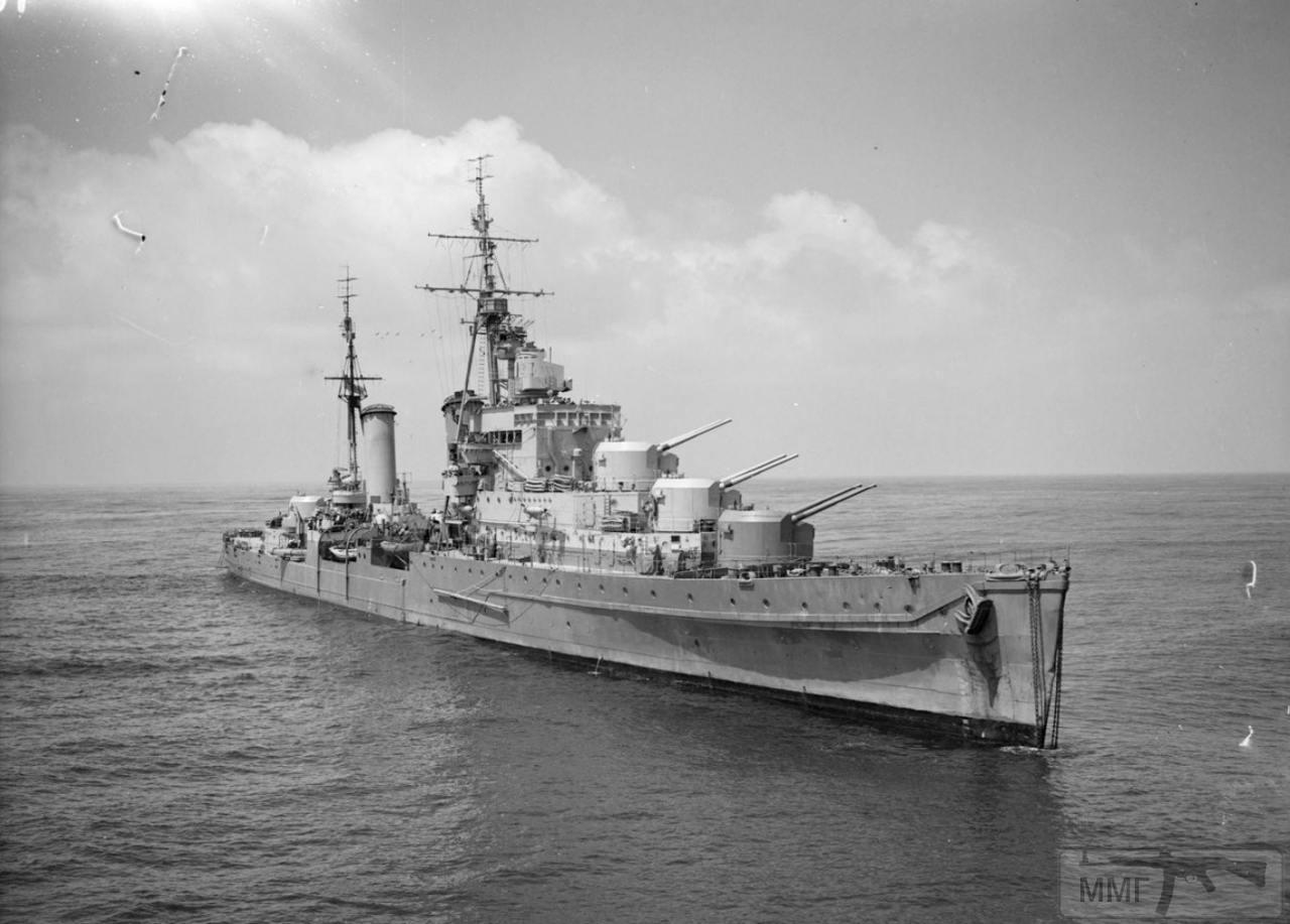 36016 - HMS Dido уже с тремя носовыми башнями ГК