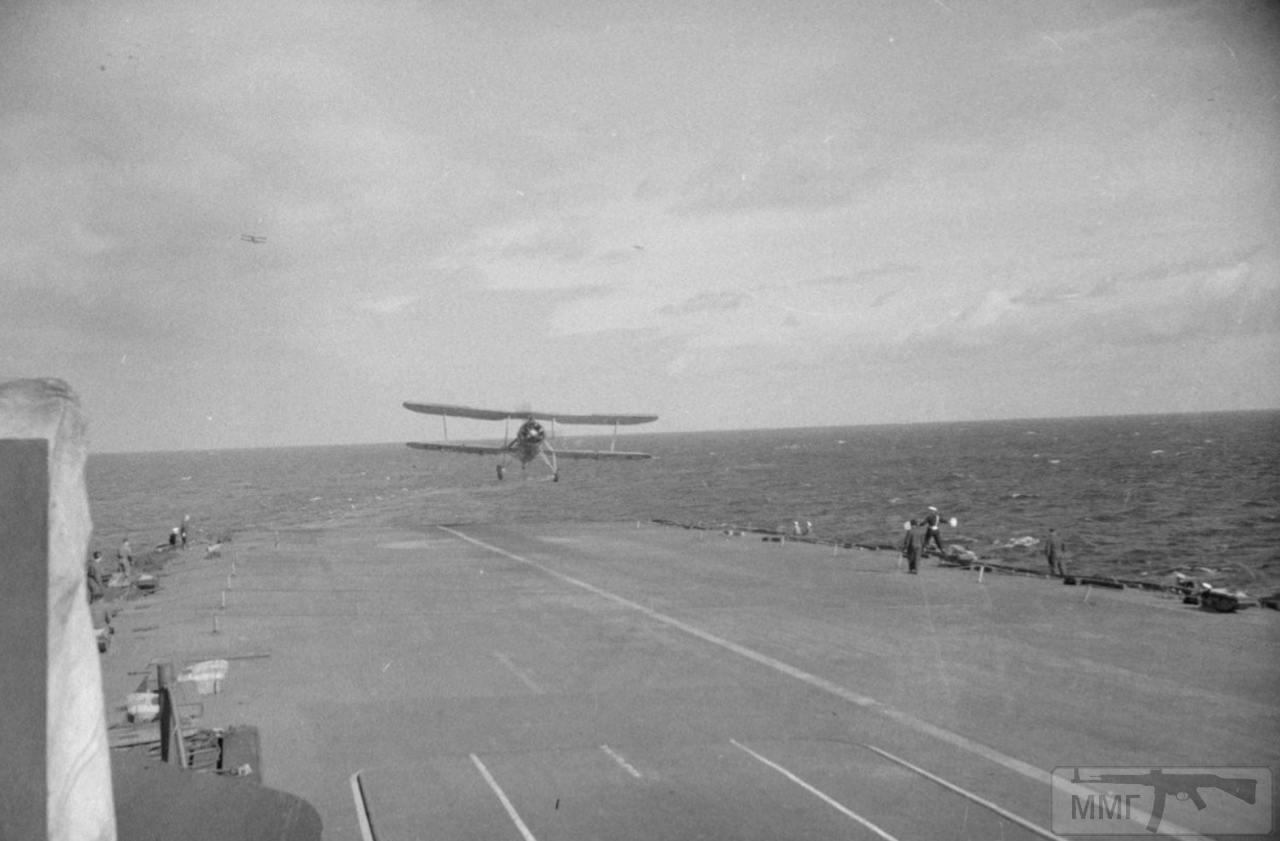 36155 - На палубе HMS Ark Royal, 1941 г.