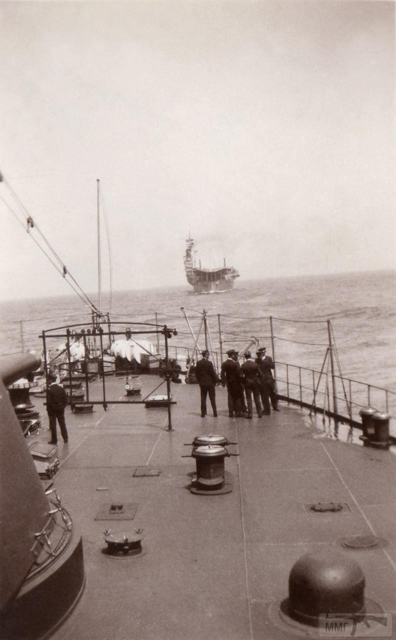 36288 - Авианосец Bearn в кильватере линкора